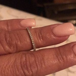 Very sparkly moissanites colorless band